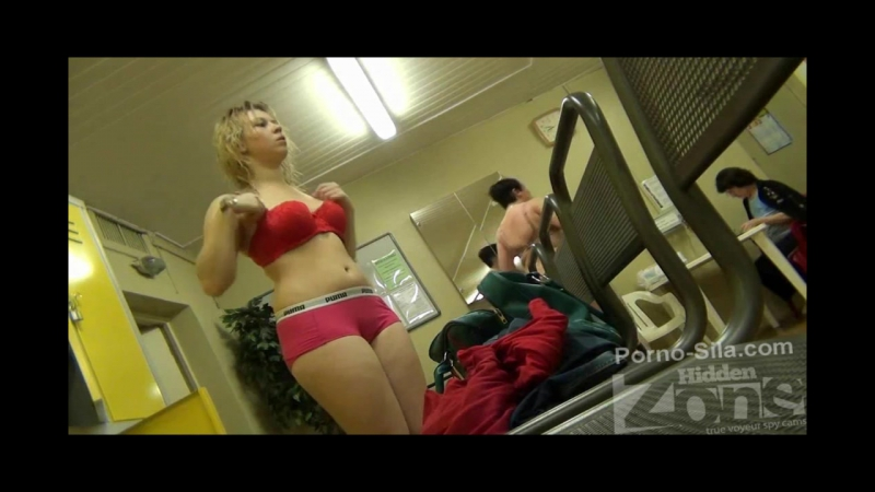 Камера в фитнес клубе, порно мастурбация в спортзале