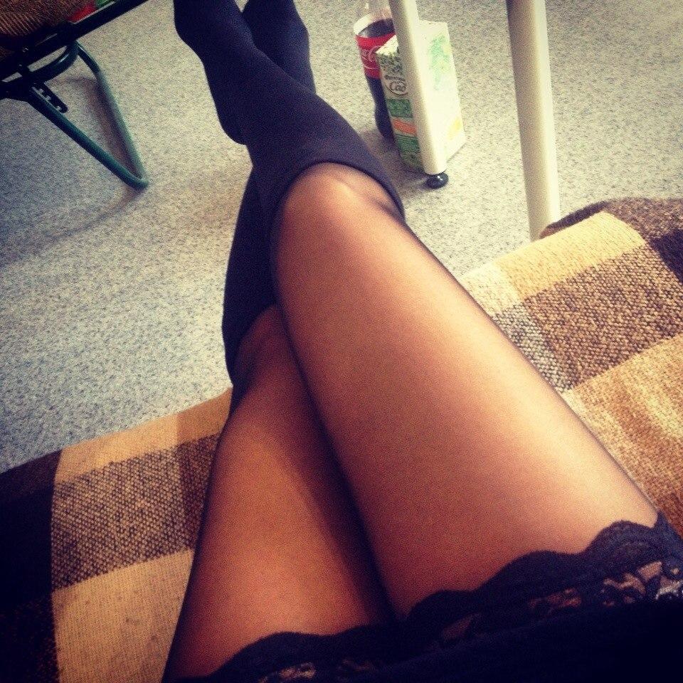 Секси ножки в чулках частное