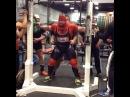 """Руслан Фурсов on Instagram: """"Дерек Кендалл приседает 472,5 кг в одних бинтах Подготовка к RUM8 powerlifting powerliftinglife powerliftingmeet powerliftingmotivation…"""""""