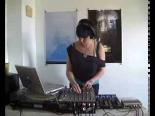 Qbot playing REVELATION OF NOISE-Ambiguity (Original Mix) @ RTS.FM
