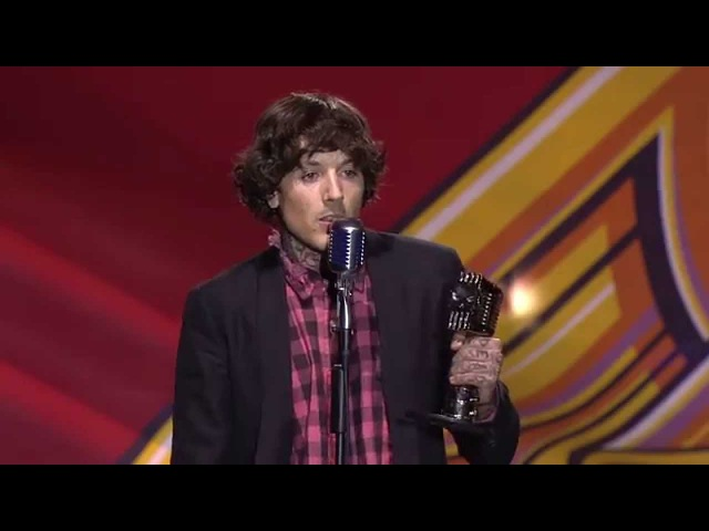 APMAs 2014 Bring Me The Horizon's Oli Sykes wins Album Of The Year with speech about his addiction
