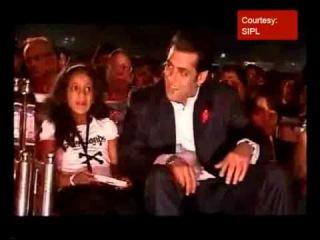 Salman Khan bumps into Aishwarya Rai 16 авг. 2012 г.