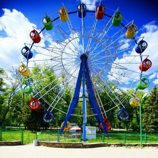 На День защиты детей таганрогский парк им. Горького приготовил праздничную программу