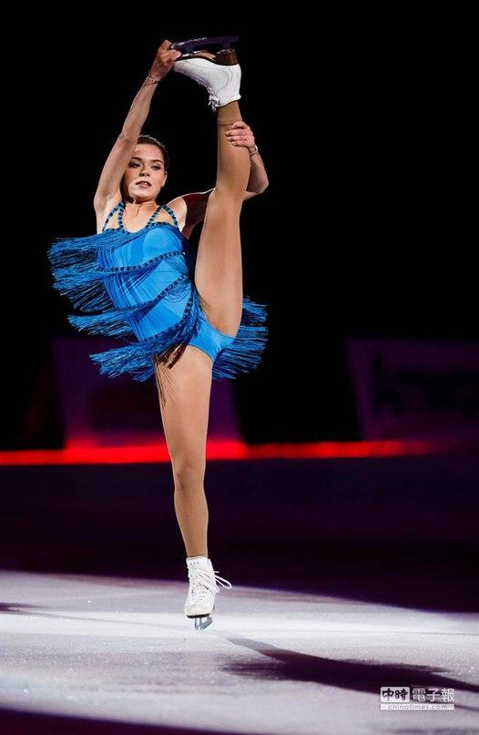 Ледовые шоу-2 - Страница 48 Al7U0KS9m0k