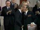 Поцелуй Джимми Картера и Леонида Брежнева после подписания договора ОСВ-II. 18 июня 1979 года.