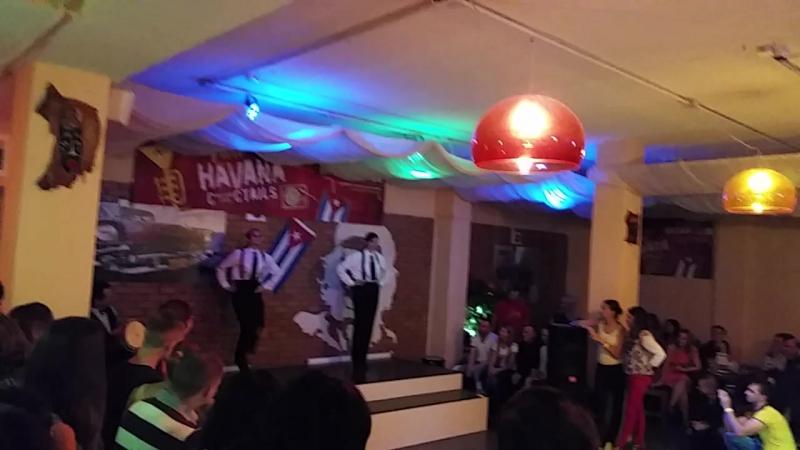 Выступление Джаз-степа танц-класса на д.р.Юлии Ганночко