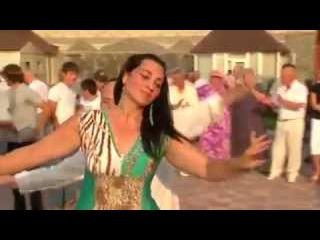 Чеченская свадьба 2015 - Красивая Чеченка танцует Чеченскую Лезгинку