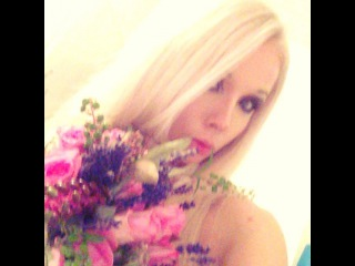 "Valeria Lukyanova Amatue21 on Instagram: ""Цветочки с семинара ) какая же красота! Спасибо !)) #цветы #аматуе #семинар"""
