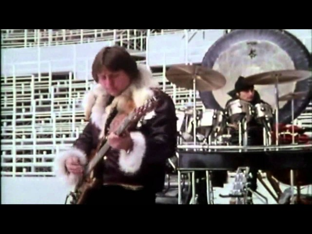 Fanfare for the Common Man - Emerson, Lake Palmer (Olympic Stadium Montreal)
