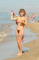 foto-goloy-eleni-biryukovoy