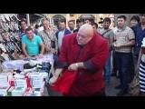 Стас Барецкий рвет импортные трусы на рынке