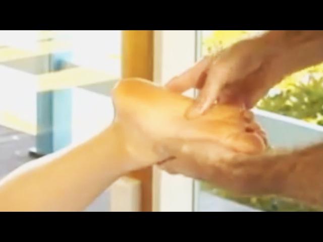Видео тетя делает массаж стану