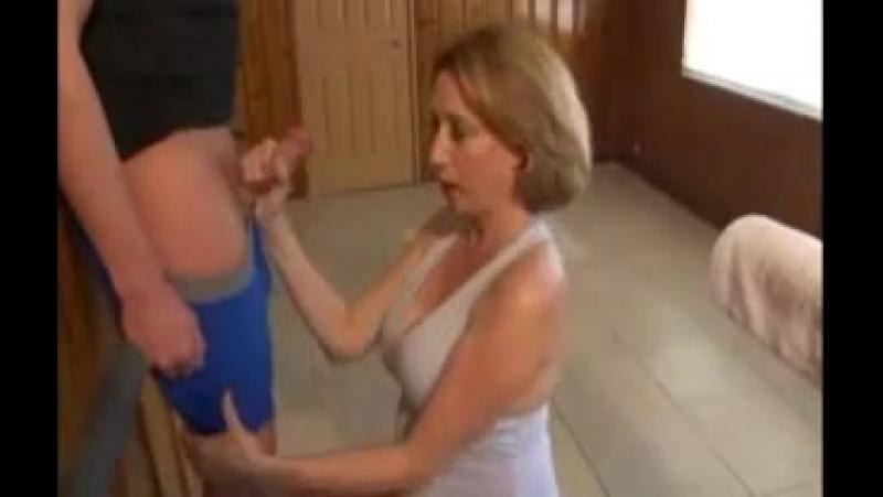 Трахнул в попу после пробежки негритянки порно