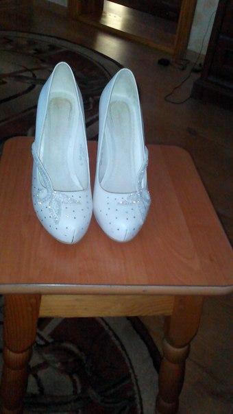 продам туфлі у хорошому стані,