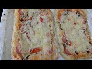 Пицца из слоеного теста за 20 минут //  Рецепты приготовления пиццы