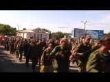 Армия Новоросси парад ополченцы казаки и бронетехника Перевальск YouTubevia torchbrowser com