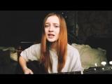 Милая девушка превратила стихи Есенина в песню!