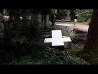 На могиле у Степана Бандеры в Германии Осквернение памятника в Польше НОВОСТИ 18 08 2014