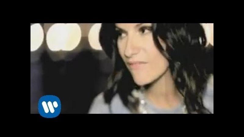 Laura Pausini - Con la musica alla radio (Official Video)