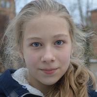 Настя Русинова