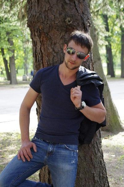 Антон Негреев