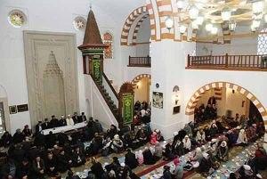 Крымские мусульмане призвали президента России остановить нелегальный меджлис и его карманное духовное управление