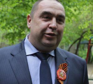 Глава Луганской республики пообещал ветеранам установить Знамя Победы над новым