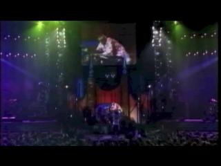 13 Unforgettable Kurt Cobain Moments