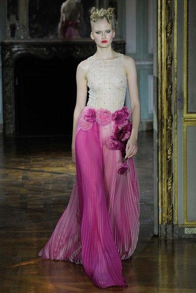 Ulyana Sergeenko. Осень-зима 2015-2016. Couture. (6 фото) - картинка
