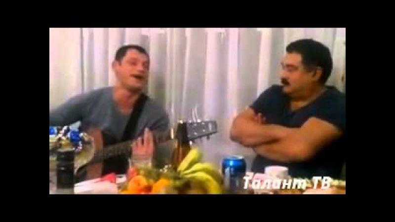 Цыган душевно поёт