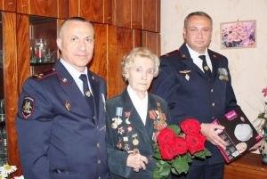 Наркополицейские Крыма поздравили ветеранов с Днем Победы (ФОТО)