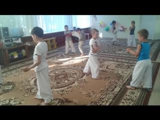КОИ: Детский садик где-то в Калиниграде, Маленькие Карпы Кои!