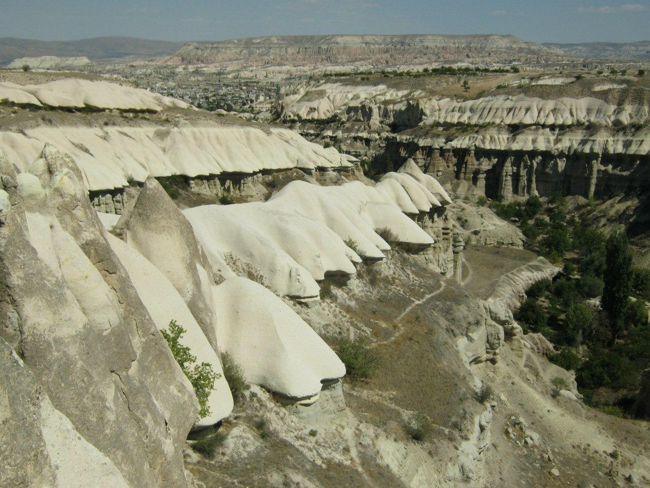 Наплывы в долинах Каппадокии