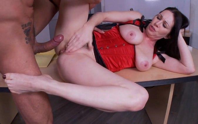 Взяла на работу после секса