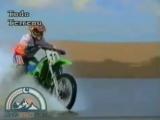 Мотоциклы по воде - Motorbikes riding on water
