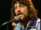 WAYLON JENNINGS - LONESOME ON'RY AND MEAN (Live In TX 1975)