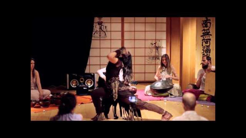 Выступление AtmanLove в Белых облаках Intro Shiva
