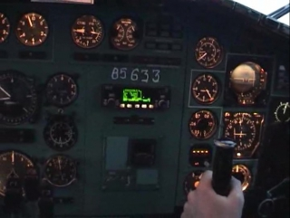 Cockpit.video.polet.na.sever.aviation.tu154_rus_