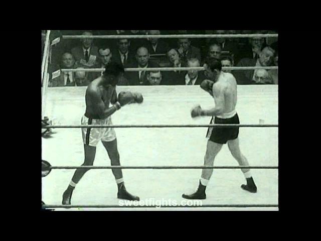 Sugar Ray Robinson Battles Brutal FIGHT Carmen Basilio
