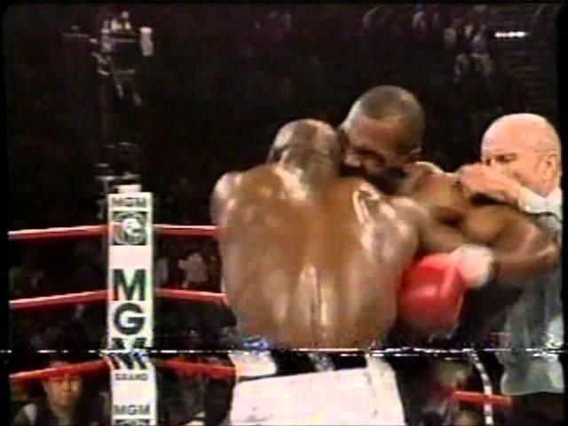 Mike Tyson Arranca Orelha de Holyfield/Globo (28/06/1997) (2/2) (Boxe Internacional)