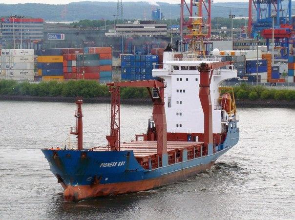 Утратившее ход в Баренцевом море рыболовное судно
