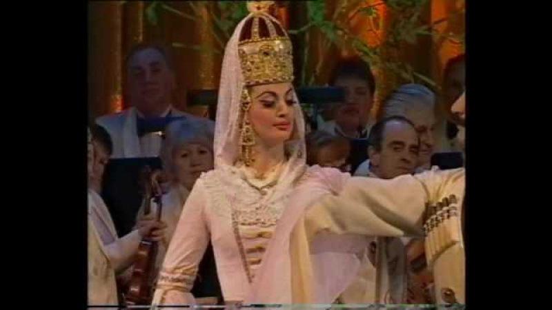 Черкесский дворянский танец (Circassian Noble dancing) -Ансамбль Кабардинка('Kabardinka' ensemble)