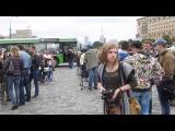 В Харькове люди с оружием и военной техникой вышли на главную площадь