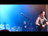 Trivium - Matt Heafy stops mid song to save fans from injury 06022014