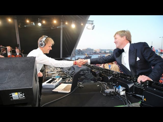 Armin van Buuren The Royal Concertgebouw Orchestra perform for new Dutch king Willem-Alexander