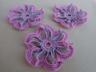 Как связать двухцветный цветок крючком. Уроки вязания.Мотив ирландского кружева.