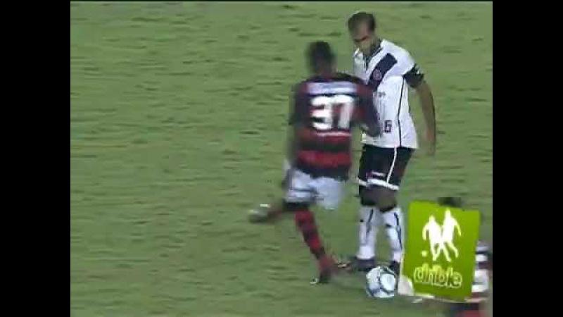 Caneta do Felipe Vasco x Flamengo 01 08 10