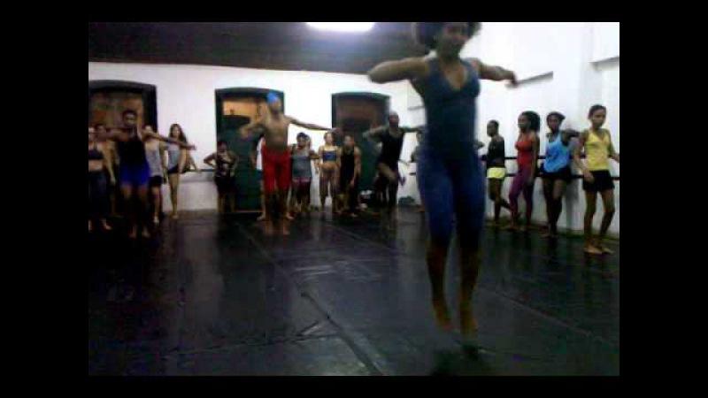 AULA DE DANÇA AFRO BRASILEIRA POR TATIANA CAMPÊLO 16/10/2011