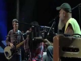 Seasick Steve live with Jack White &amp Alison Mosshart &amp John Paul Jones