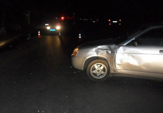 Под Таганрогом в столкновении Lada Priora и грузовой «Газели» пострадали два человека